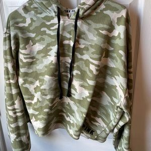 VS PINK Camo Pull-over